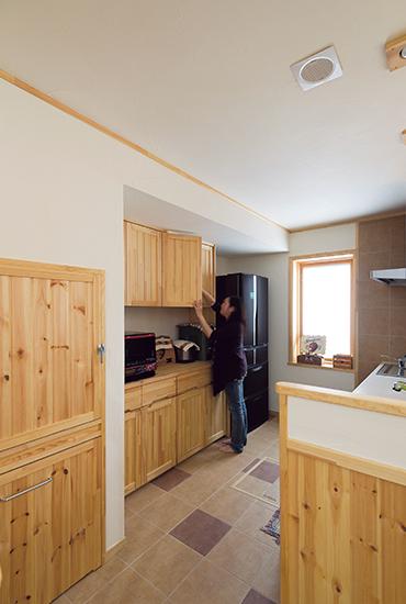 素材感と技術力を家づくりの基本に。改めて実感する木の心地よさ
